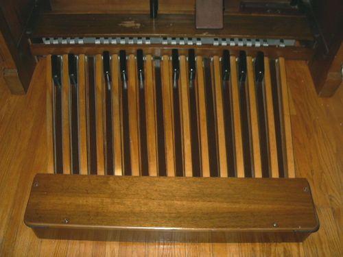 Hammond C3 (walnut) pedals