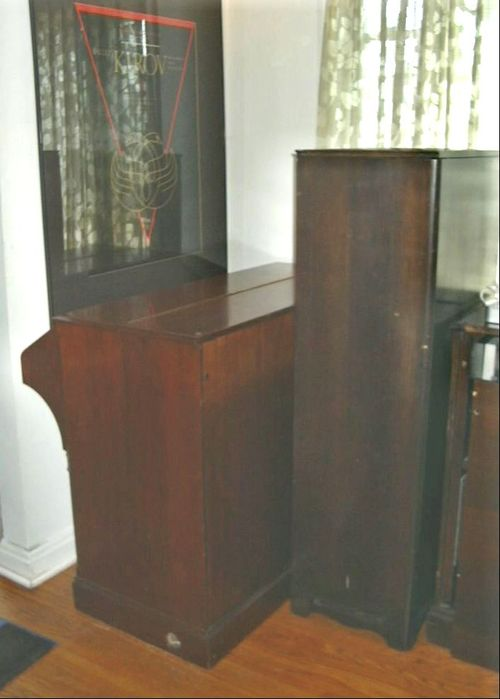 Hammond C3 (mahogany) side view