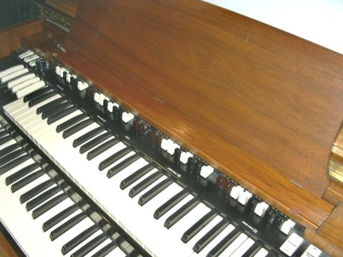 Hammond C3 (walnut) keys