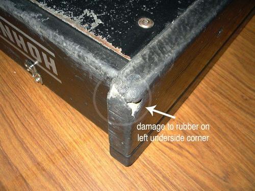 Hohner Clavinet E7 Clavinet case wear - detail