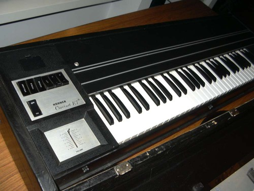 Hohner Clavinet E7 left side view