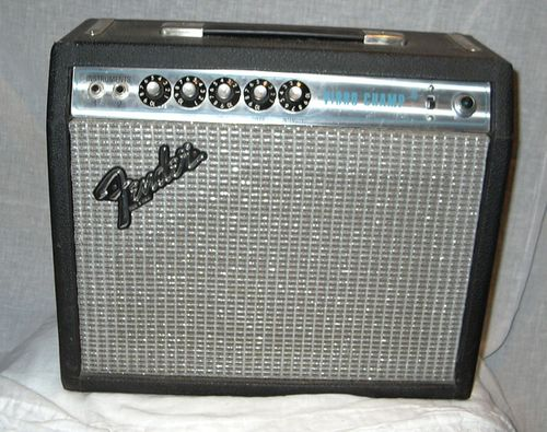 Fender vibro champ amp front view