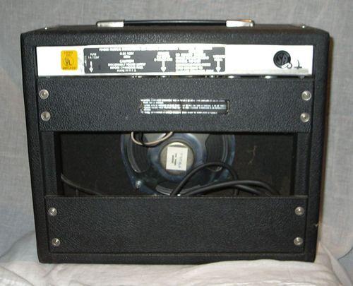 Fender vibro champ back view