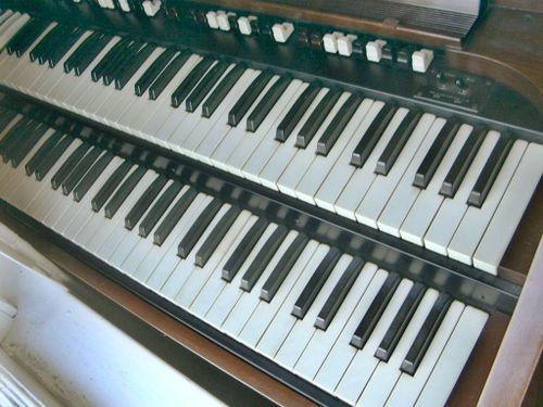 Hammond_cv_keys