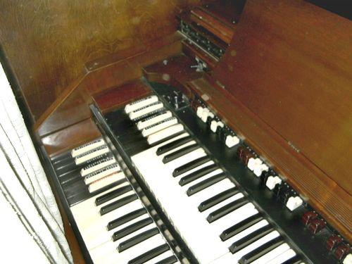 Hammond_cv_left_keys